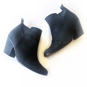 Cole Haan Black Zip Leather Ankle Boot Size 7.5